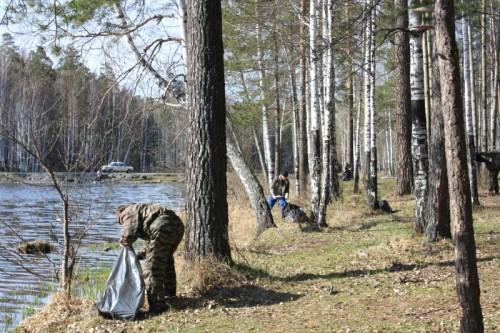 Итоги субботника на берегу Рефтинского водохранилища