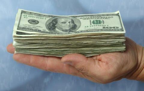 Стопка долларов