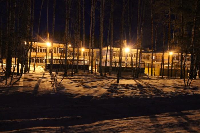 Новый детский сад ночью