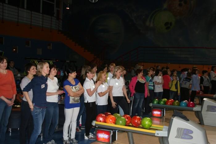 Боулинг и кулинарный мастер-класс для сотрудниц Рефтинской ГРЭС