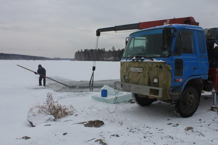 Заготовка льда